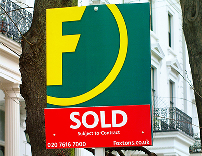 Number of houses sold for less than asking price hit record high in March