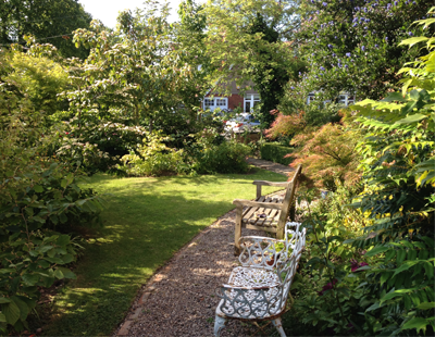 Top tips for landlords to avoid garden disputes with tenants
